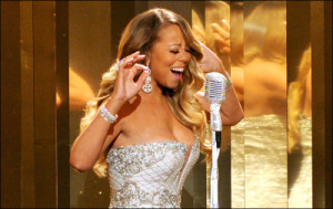 """Mariah Carey cantando """"#Beautiful (Remix)"""" no BET Awards 2013"""