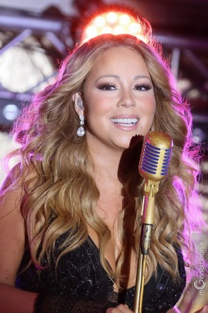 Clear Channel Media And Entertainment And MediaLink Host Dinner Featuring Mariah Carey At Hotel du Cap-Eden-Roc