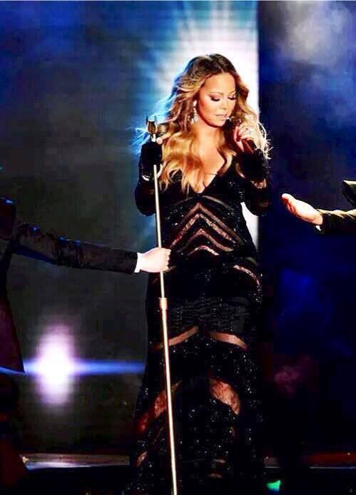 "Mariah Carey durante a performance de ""Meteorite"" no WMA 2014"