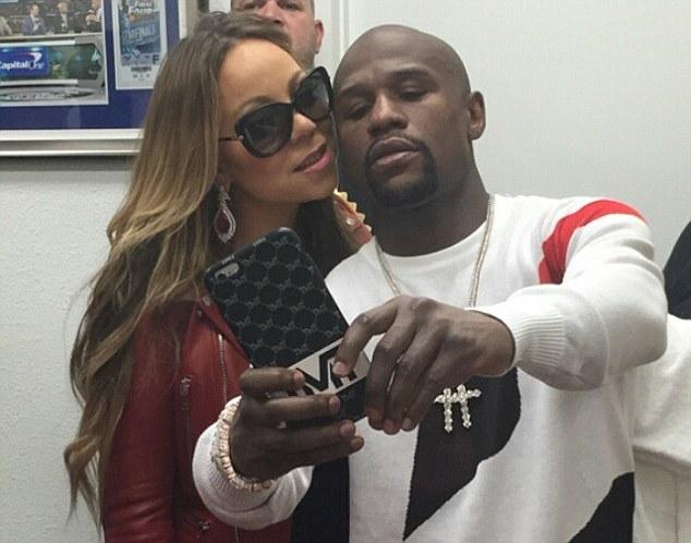 Mariah e Mayweather tiram selfie dias antes da luta com Pacquiao