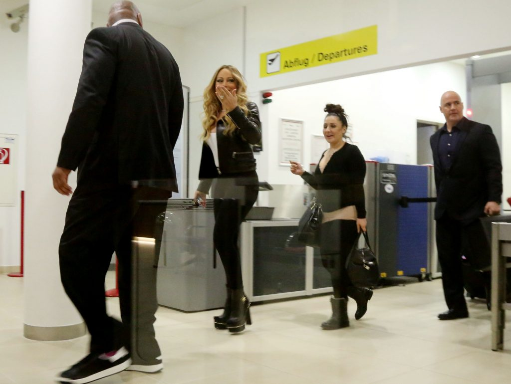 Mandatory Credit: Photo by Karl Schoendorfer/REX/Shutterstock (5657748g) Mariah Carey Mariah Carey at Vienna Airport, Austria - 19 Apr 2016  (Newscom TagID: rexphotosfour064061.jpg) [Photo via Newscom]