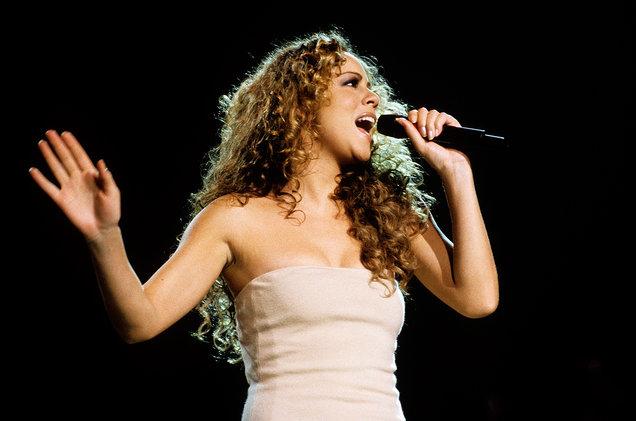 Mariah Carey photographed while performing circa 1990s. Foto: Bob King/Redferns.