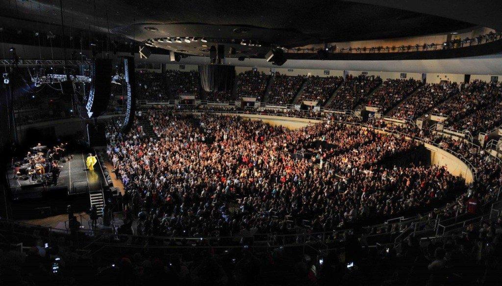 Neal S. Blaisdell Center Arena em formato show.